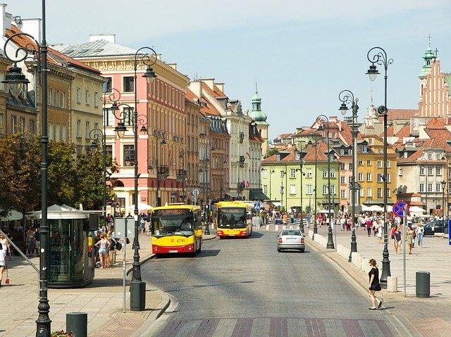 Busy do Holandii z Warszawy