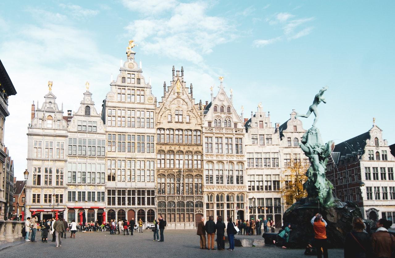 Busy do Belgii z Łodzi